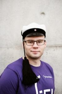 Toni, rakennustekniikan opiskelija, teekkari